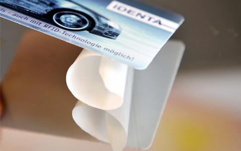 Klebeausweis RFID Klebelabel